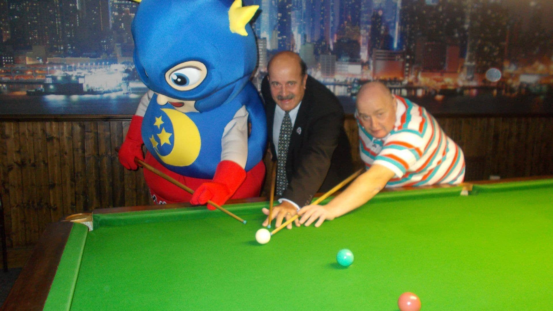Snooker Legend Willie Thorne and The DreamMaker Kids